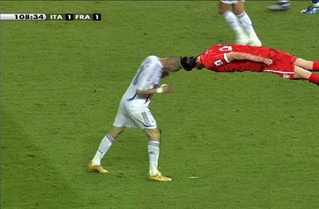 """Zidane dùng """"thiết đầu công"""" húc Benitez - 4"""