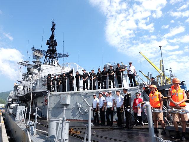 Cận cảnh tàu khu trục chống ngầm của Nga đến Đà Nẵng - 6