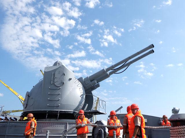 Cận cảnh tàu khu trục chống ngầm của Nga đến Đà Nẵng - 10