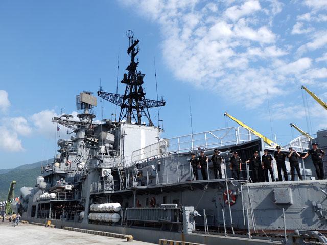 Cận cảnh tàu khu trục chống ngầm của Nga đến Đà Nẵng - 11