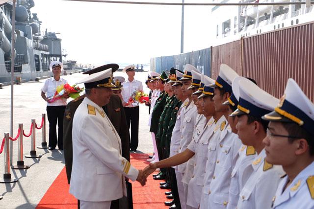 Cận cảnh tàu khu trục chống ngầm của Nga đến Đà Nẵng - 2