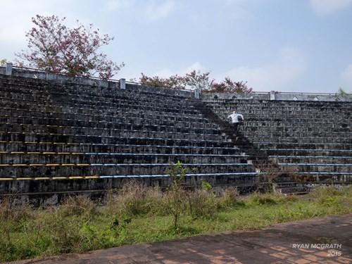 Công viên bỏ hoang ở Huế xuất hiện rùng rợn trên báo Mỹ - 4