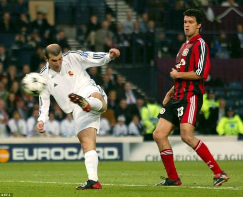 Zinedine Zidane: Huyền thoại bất diệt của Real Madrid - 1