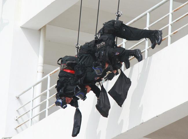 Ảnh: 5.200 chiến sĩ diễn tập bảo vệ Đại hội Đảng - 14