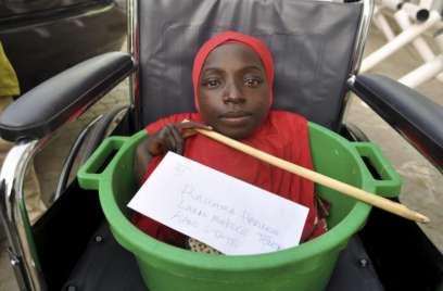 Rớt nước mắt cô gái khuyết tật sống trong chậu - 3