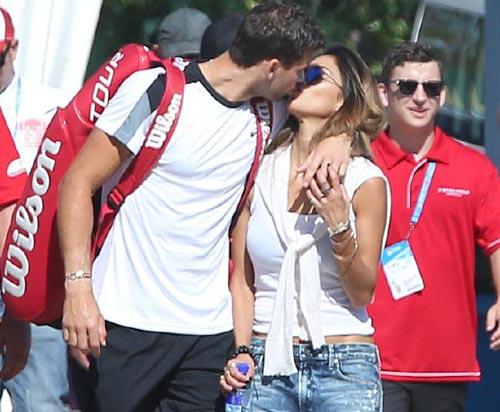 """Tin thể thao HOT 7/1: Dimitrov """"khóa môi"""" bồ cũ của Hamilton - 2"""