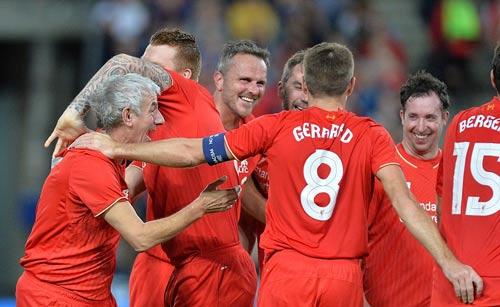 Gerrard & các huyền thoại Liverpool bùng nổ tại Úc - 12