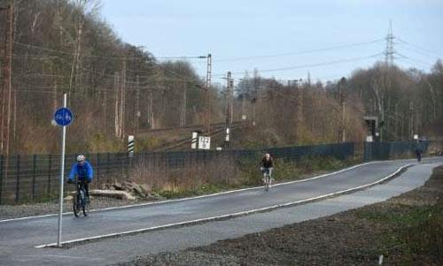 Mê mẩn cao tốc dài 100 km dành cho... xe đạp - 3