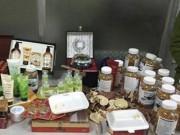 Thị trường - Tiêu dùng - Thu hàng nghìn mỹ phẩm, thực phẩm chức năng nhập lậu