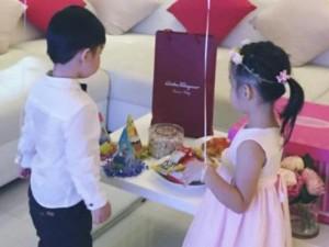 Đời sống Showbiz - Facebook sao 7/1: Thủy Tiên khoe ảnh sinh nhật con gái