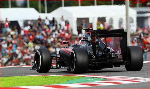 Sao chép Mercedes: Làng F1 không thể tránh - 4