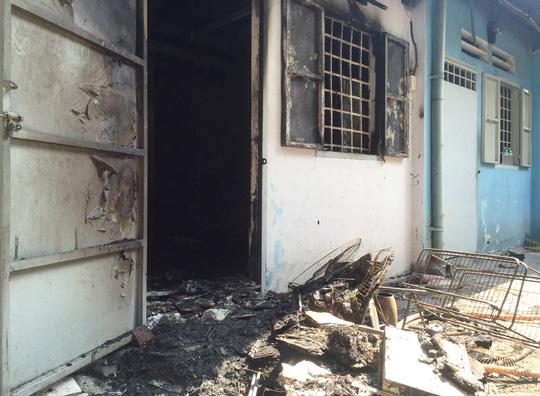 Nghi án đốt nhà trọ, đôi nam nữ bỏng nặng - 1