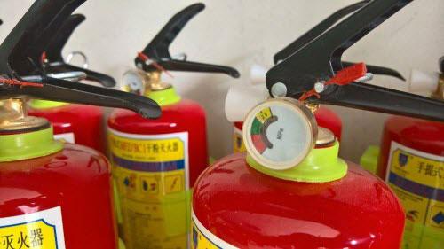 """Bình cứu hỏa ô tô đội giá gấp 4 lần vẫn cháy """"hàng"""" - 3"""