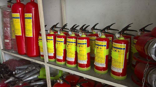 """Bình cứu hỏa ô tô đội giá gấp 4 lần vẫn cháy """"hàng"""" - 2"""