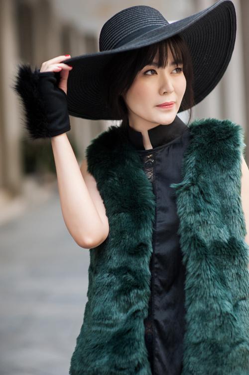 Hoa hậu Thu Thủy khoe vẻ đẹp 'quên tuổi' - 3