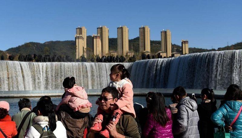 Ngắm thác nước nhân tạo lớn nhất châu Á - 5