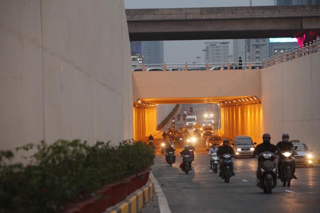 Thông xe 2 hầm chui, cửa ngõ Thủ đô thông thoáng bất ngờ - 11