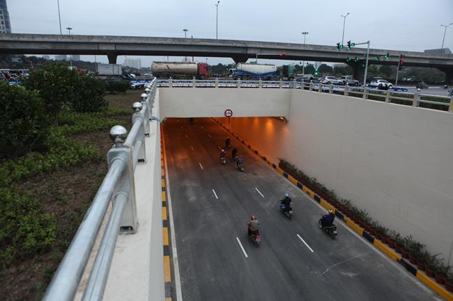 Thông xe 2 hầm chui, cửa ngõ Thủ đô thông thoáng bất ngờ - 3