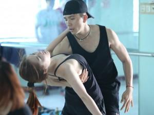Ca nhạc - MTV - Hương Tràm quyết tập nhảy sau khi bị chê tại 'The Remix'