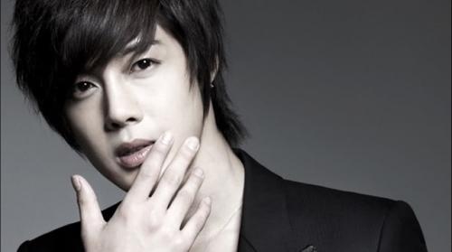 Kim Hyun Joong được gặp con trai sau xét nghiệm ADN - 1