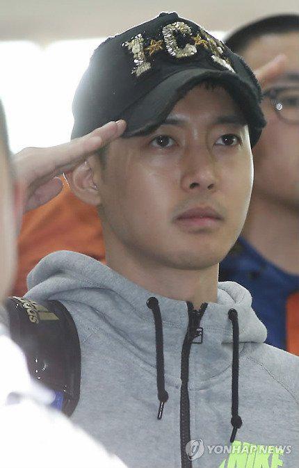 Kim Hyun Joong được gặp con trai sau xét nghiệm ADN - 3