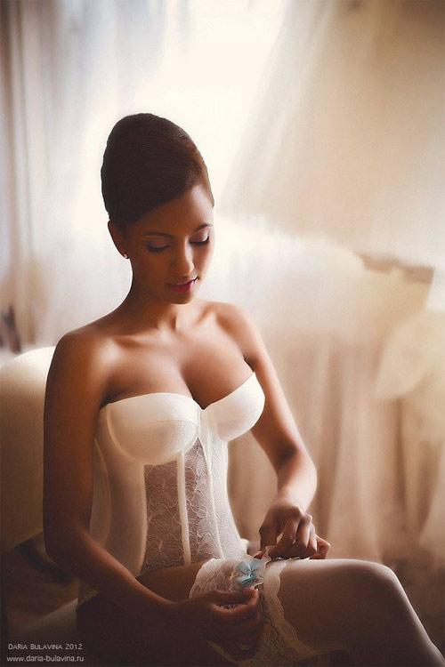 Mẹo chọn nội y cho nàng đẹp quyến rũ trong ngày cưới - 11