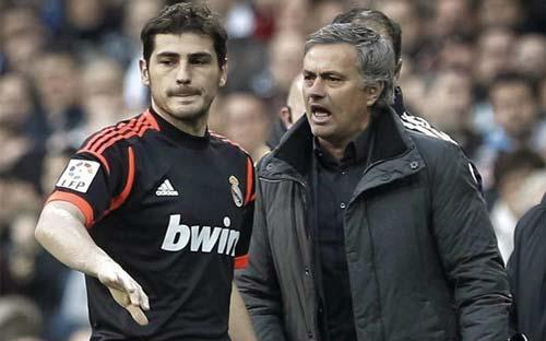 Rào cản Casillas khiến Mourinho còn thất nghiệp - 2