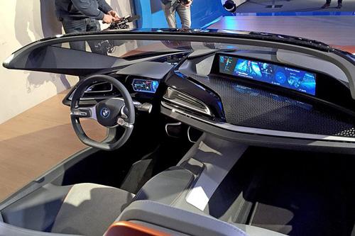 """Bất ngờ với siêu xe tự lái BMW i8 Spyder """"trong mơ"""" - 3"""