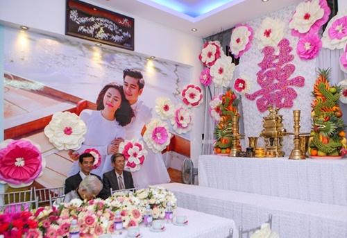 Vân Trang được tặng quả cầu thủy tinh trong lễ rước dâu - 2