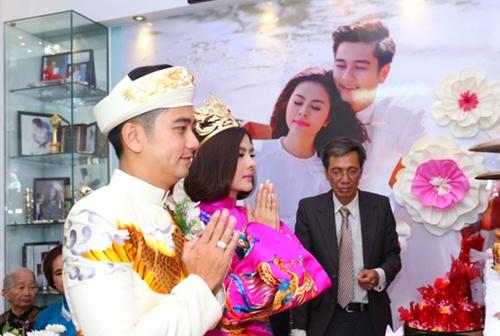 Vân Trang được tặng quả cầu thủy tinh trong lễ rước dâu - 10