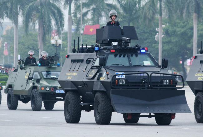 Dàn trực thăng, xe chuyên dụng xuất quân bảo vệ Đại hội Đảng - 4