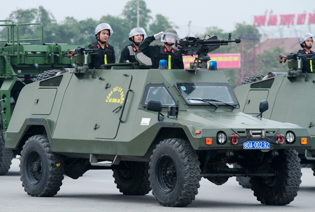 Dàn trực thăng, xe chuyên dụng xuất quân bảo vệ Đại hội Đảng - 6