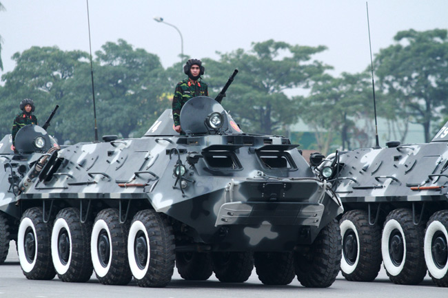 Dàn trực thăng, xe chuyên dụng xuất quân bảo vệ Đại hội Đảng - 7