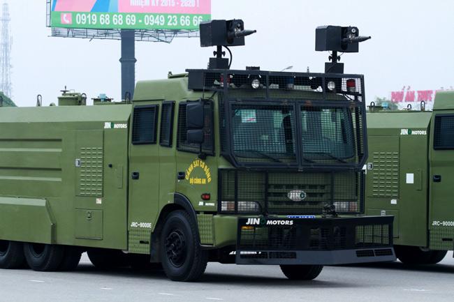 Dàn trực thăng, xe chuyên dụng xuất quân bảo vệ Đại hội Đảng - 10