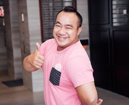 Hot girl Khả Ngân gợi cảm khoe lưng trần nuột nà - 5