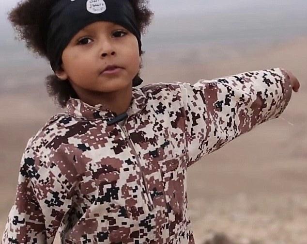 """IS tạo ra thế hệ """"mầm non"""" khủng bố tàn bạo như thế nào? - 1"""