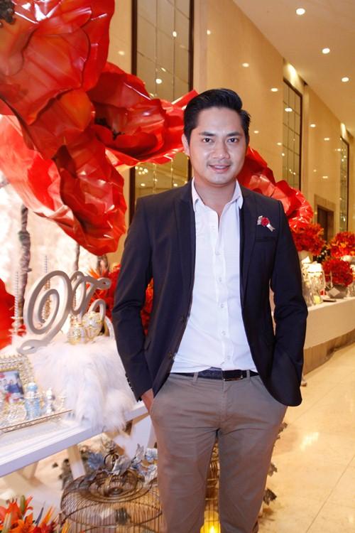 Tường Vi nổi bật trong dàn sao dự tiệc cưới Vân Trang - 4
