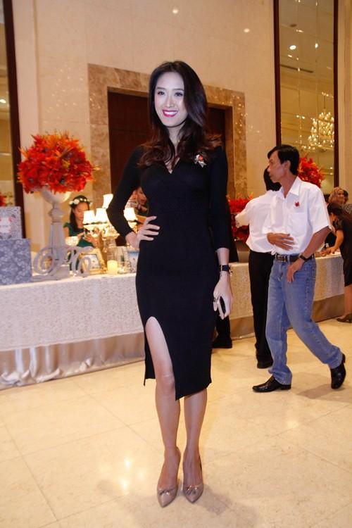 Tường Vi nổi bật trong dàn sao dự tiệc cưới Vân Trang - 7