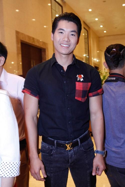 Tường Vi nổi bật trong dàn sao dự tiệc cưới Vân Trang - 8