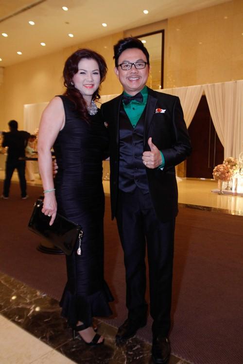 Tường Vi nổi bật trong dàn sao dự tiệc cưới Vân Trang - 3
