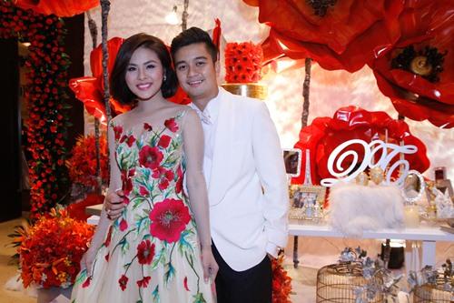 Vợ chồng Vân Trang liên tục 'khóa môi' trong tiệc cưới - 20