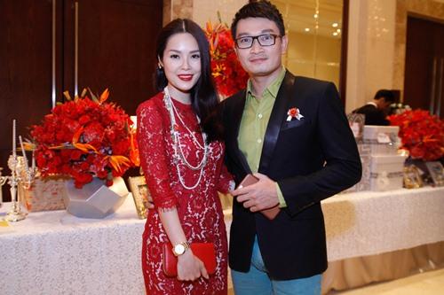 Tường Vi nổi bật trong dàn sao dự tiệc cưới Vân Trang - 15