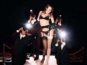 Thời trang - Người mẫu trẻ đẹp quay cuồng trong vũng bùn nợ nần