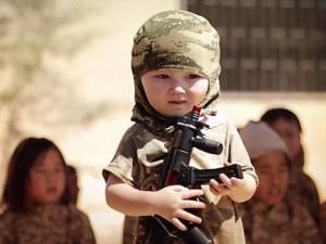 """Thế giới - IS tạo ra thế hệ """"mầm non"""" khủng bố tàn bạo như thế nào?"""