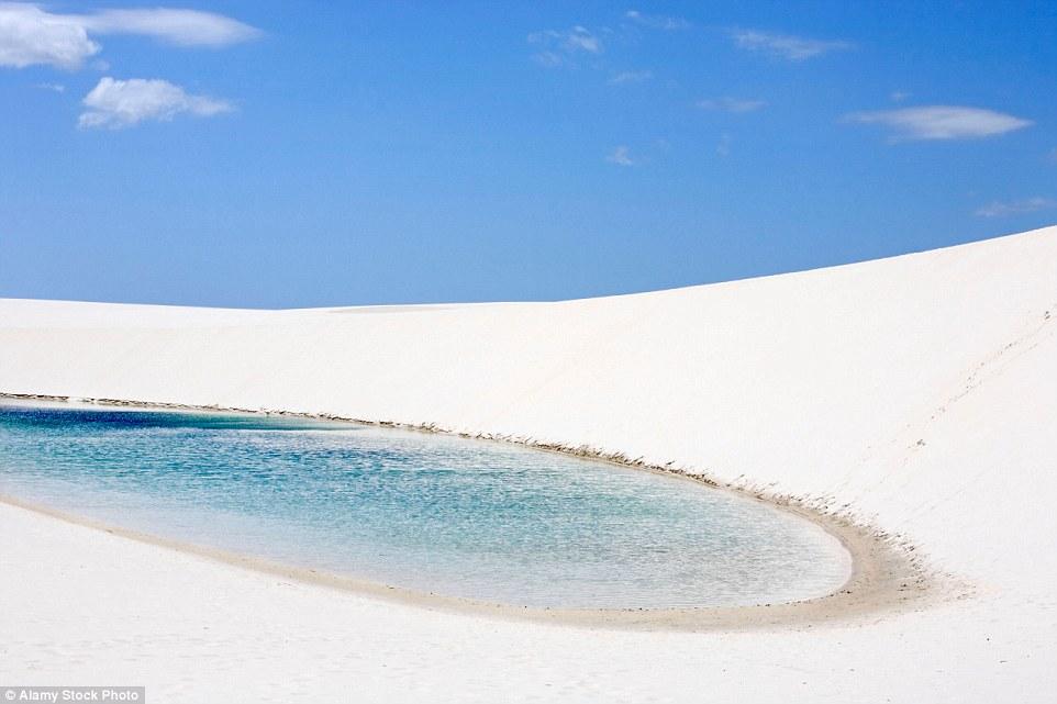 Ảnh: Cồn cát biến thành hồ nước đẹp mê hồn ở Brazil - 8