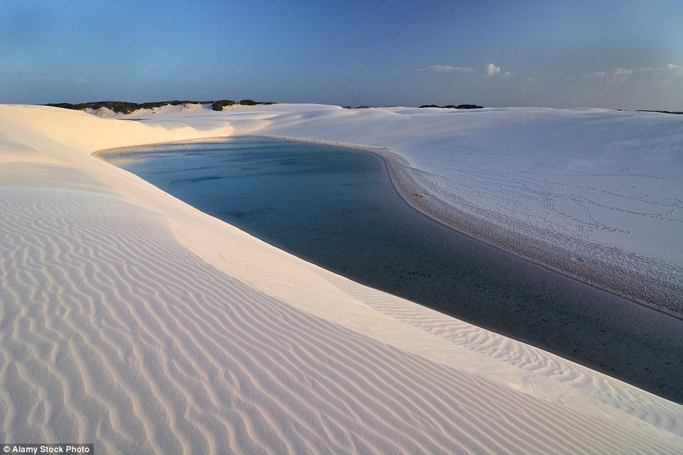 Ảnh: Cồn cát biến thành hồ nước đẹp mê hồn ở Brazil - 9