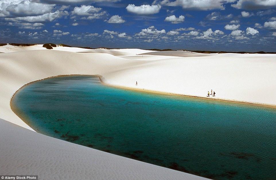 Ảnh: Cồn cát biến thành hồ nước đẹp mê hồn ở Brazil - 10