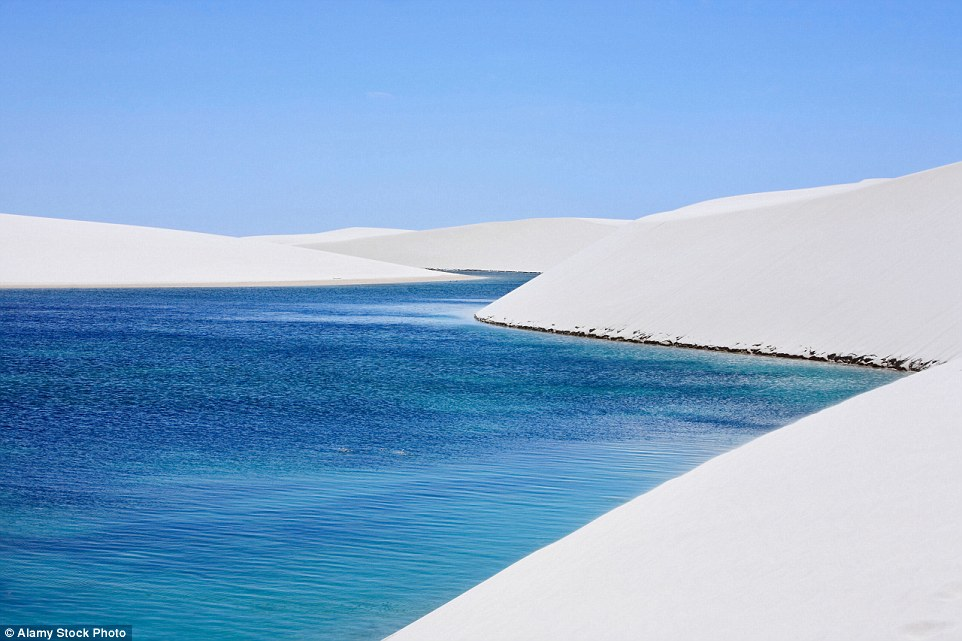 Ảnh: Cồn cát biến thành hồ nước đẹp mê hồn ở Brazil - 12