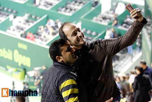 """Fan Việt xếp hàng 4 tiếng """"săn"""" Djokovic, Nadal ở Qatar - 3"""
