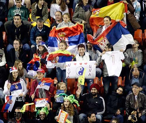 """Fan Việt xếp hàng 4 tiếng """"săn"""" Djokovic, Nadal ở Qatar - 5"""